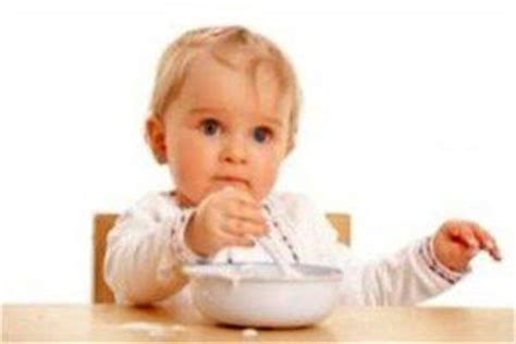 aprender a comer solo como ense 241 ar a comer a un bebe si se niega a comer solo