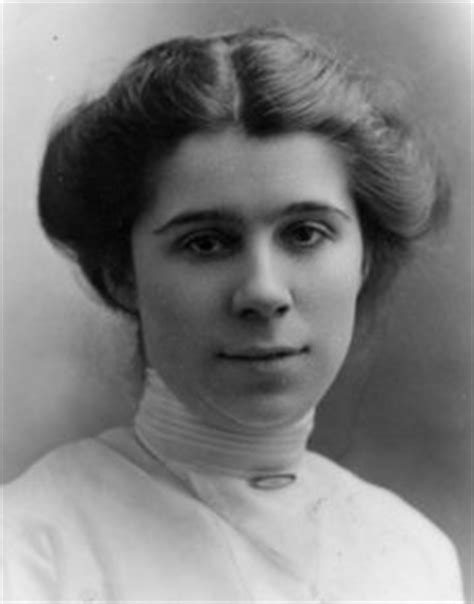 hairstyle 1914 women side swirl hairstyle