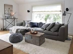 Walmart Shag Rug 何色でも合う グレーのソファー は季節感を出す秀逸家具 Iemo イエモ