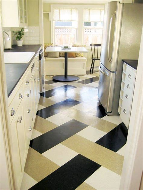 Painted Kitchen Floor Ideas by 25 Best Ideas About Linoleum Kitchen Floors On Pinterest