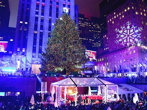 performers for the christmas tree rockefeller michael buble jepsen j blige sing at rockefeller tree lighting