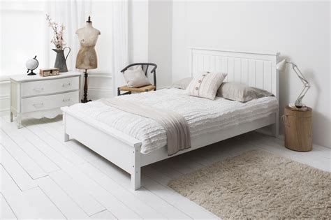 White Wooden King Size Bed Frame Home Decorating Pictures White Wood Bed Frame
