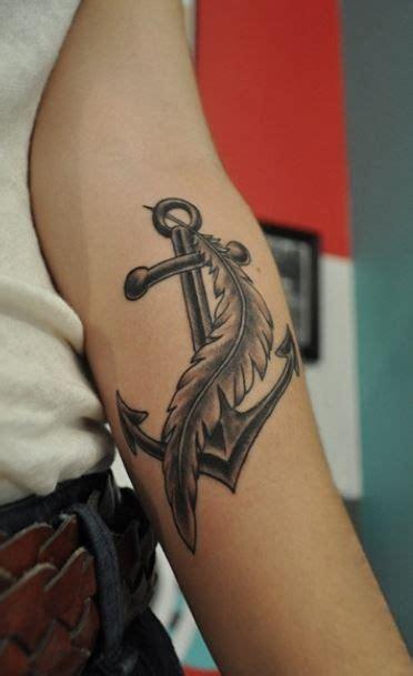 tatuaggi interno braccio 17 migliori idee su tatuaggio con piuma su