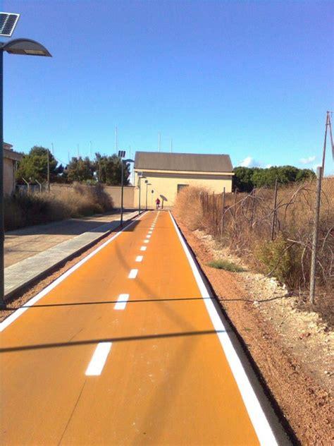 illuminazione cagliari illuminazione solare pista ciclabile a cagliari con i