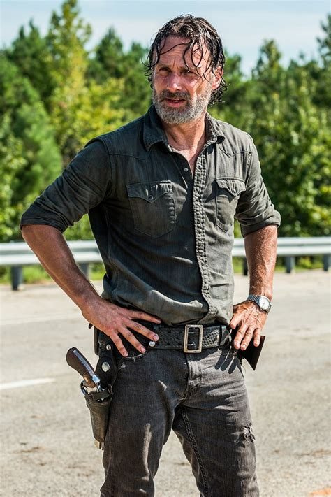 how to get your hair like rick grimes this walking dead producer doesn t get what s gone wrong