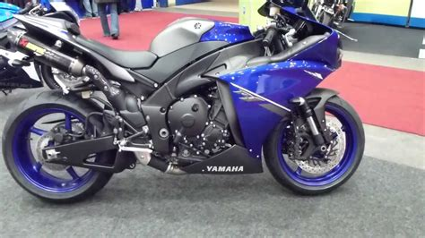 Yamaha Or Suzuki 2013 Yamaha Yzf R1 Vs Suzuki Gsx R1000 Gsr750 Sfv650