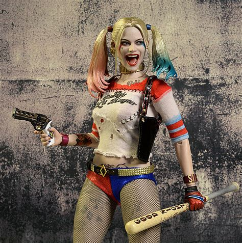hot toys harley quinn review and photos of harley quinn suicide squad sixth