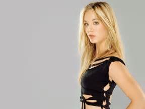 Kaley cuoco wallpapers photos pictures