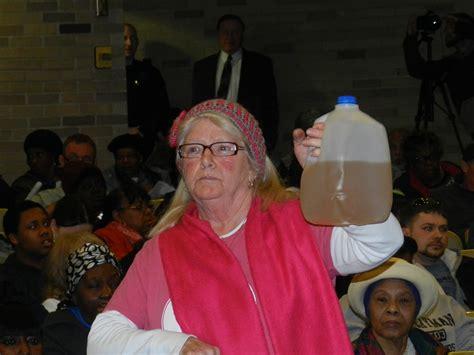 analizzare acqua rubinetto gli abitanti di flint hanno bevuto acqua e il