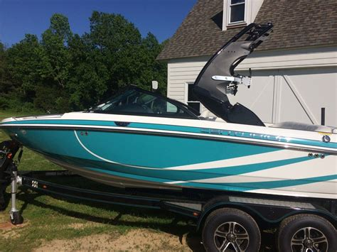 centurion boats enzo centurion enzo ss210 2015 for sale for 58 000 boats