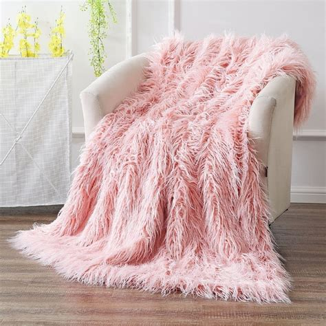 19 blankets to buy for the coziest winter