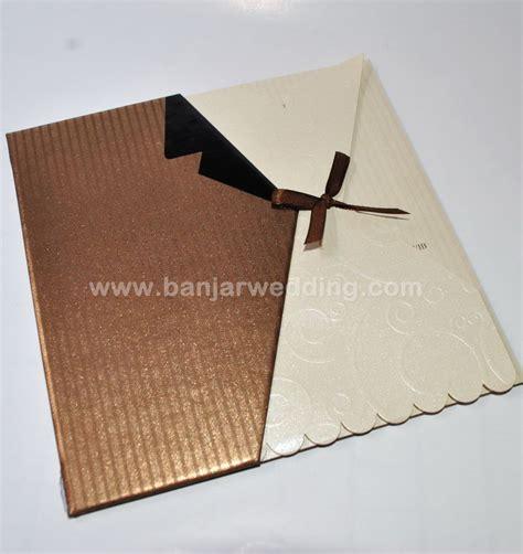 Murah Undangan Hardcover Mk Coklat Gold undangan hardcover unik mt71 banjar wedding banjar wedding