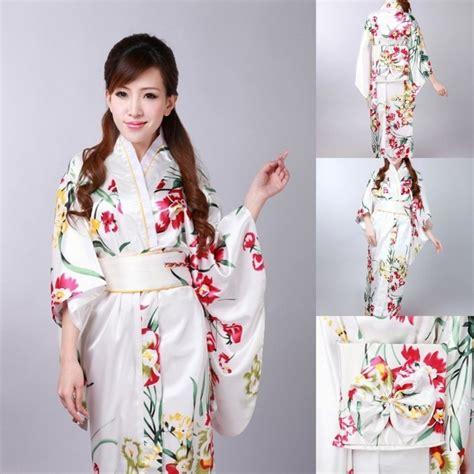 Kimono Santai Wanita Dan Pria yuk intip 7 jenis kimono jepang yang menjadi trend dunia