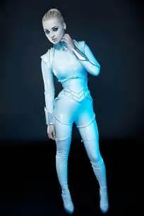 Futuristic Style by Amazing Retro Futuristic Fashion