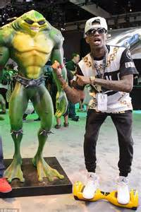 soulja boy tattoo removal soulja boy gets laser treatment on his to remove