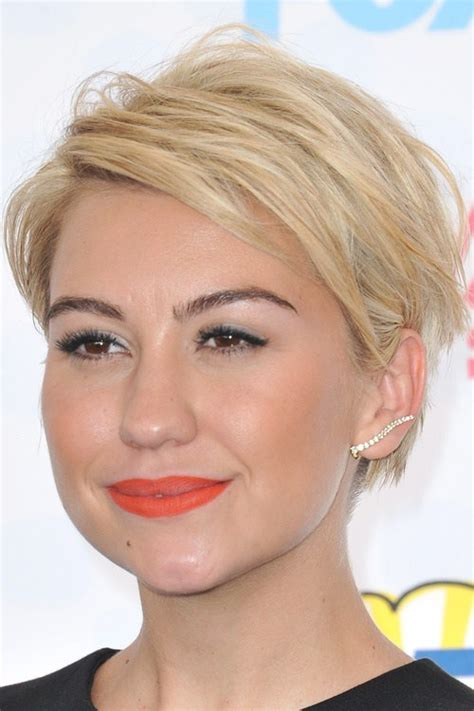 ear length hairstyles 50 cute and easy to style short layered hairstyles