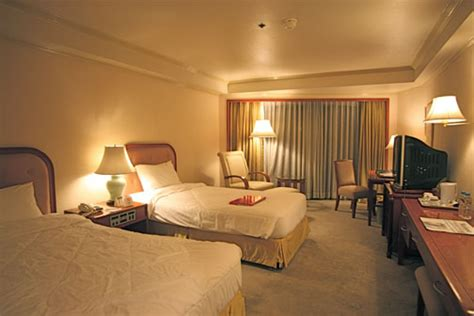 luxurious  comfortable stay  manila