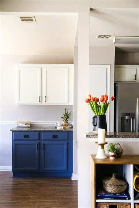 quick and easy way to paint kitchen cabinets quick and easy way to paint kitchen cabinets blue white