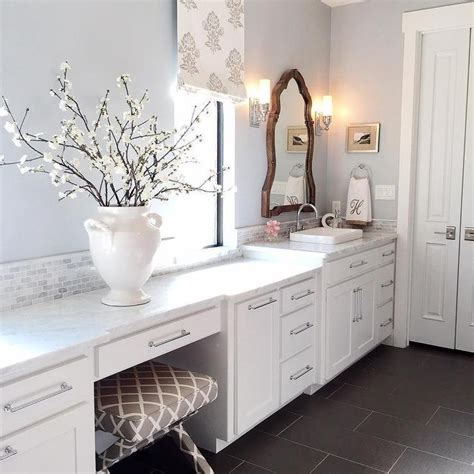 gray bathroom paint silver gray paint color benjamin moore silver lake