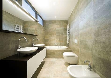 attraente Arredare Bagno Stretto E Lungo #1: come-arredare-un-bagno-lungo-e-stretto_NG2.jpg