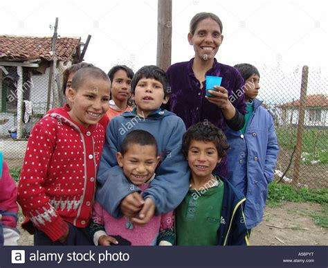 kid roma painet ja0737 family bulgaria romas karlova photo 2004