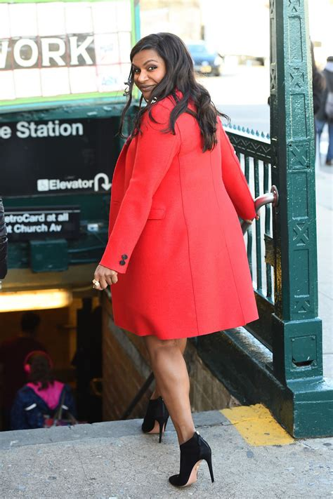 mindy kaling email address mindy kaling on the set of ocean s eight in new york 12