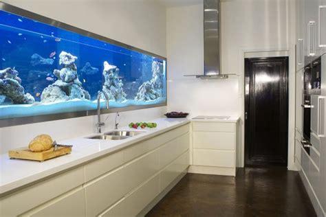 dekor k chenr ckwand aquarium ideen 108 designs zum integrieren in der wohnung