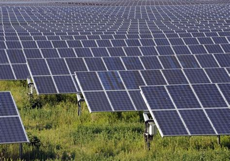 home solar plant 300 million grant for australian solar farm