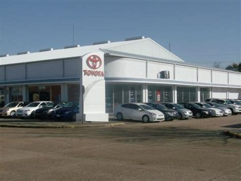Toyota Dealerships Louisiana Bubba Oustalet Ford Lincoln Toyota Car Dealership In