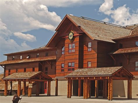 faithful snow lodge western cabin 5 of the best lodges you can stay in at america s national
