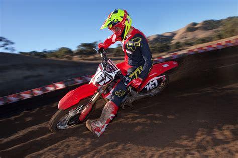 honda crf250r review 2018 honda crf250r ride review 16 fast facts