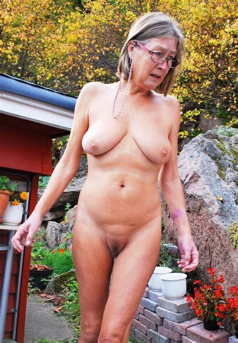 Nude Grandmothers Housewife To Hot Mom