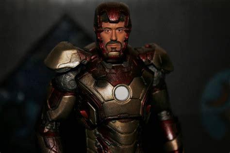 Marvel Select Iron 42 Battle Damaged marvel select battle damaged iron 42 review hype usa