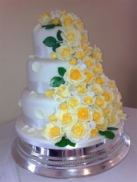 Wedding Cake Yellow Roses by Cascading Yellow Roses Wedding Cake Cakecentral