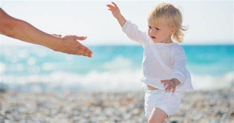 imagenes niños aprendiendo a caminar mama adolecsente algunos consejos para ayudar a tu bebe