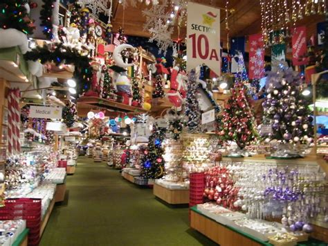 frankenmuth michigan bonners christmas shop the size of