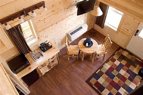 Mackinaw City Cabins by Mackinaw City Hotels Cabins Of Mackinaw