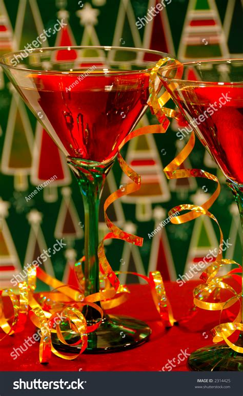 holiday cocktails background christmas cocktails holiday wine cocktails against a