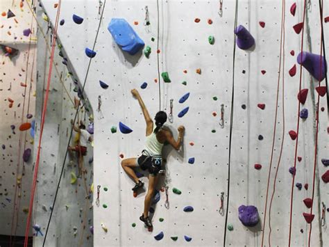 how do rock climbers go to the bathroom guide to rock climbing gyms in and around los angeles