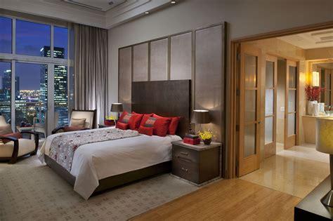on suite bedroom uma noite de rainha no mandarin oriental de miami