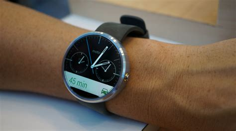 Hands on With the Moto 360 Smartwatch   Droid Life