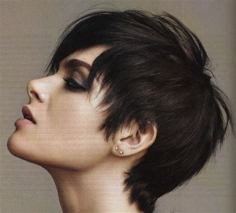 Pixie Hairstyles for Women with Round Faces and Thick Hair
