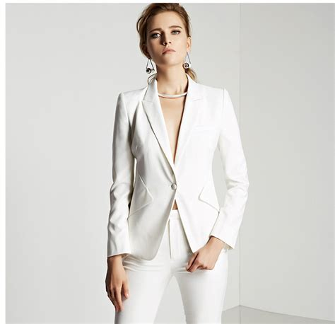 white pant suit white pantsuit for www imgkid the image kid has it