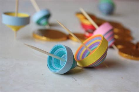 Make A Paper Dreidel - hanukkah crafts up creativebug