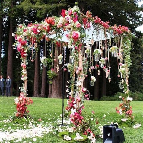 Flower Garden Wedding How To Plan A Boho Wedding A Trend That S Here To Stay