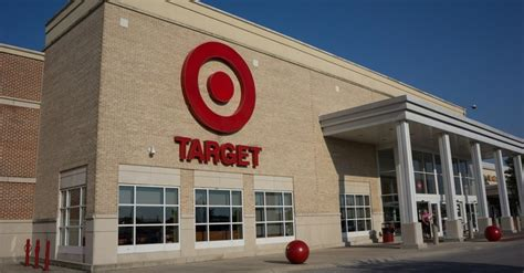 Shops Alert Robinson At Target by Alert Target Plans To Hire 100 000 Workers