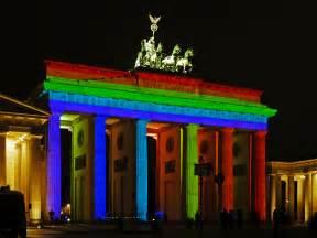 of lights file brandenburger tor berlin festival of lights 2012
