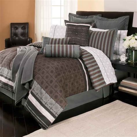 Plain Teal Comforter by 35 Best Images About Plain Comforters For On