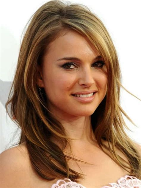 25 cool medium length hairstyles for girls and women