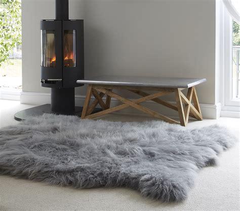 Dekorieren Mit Fell by Grey Sheepskin Rug The Swedish Wooden